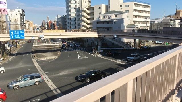 瀬田交差点の歩道橋