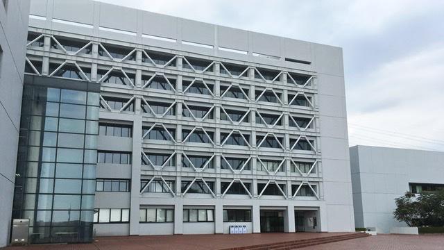 中央大学多摩キャンパス商学部棟