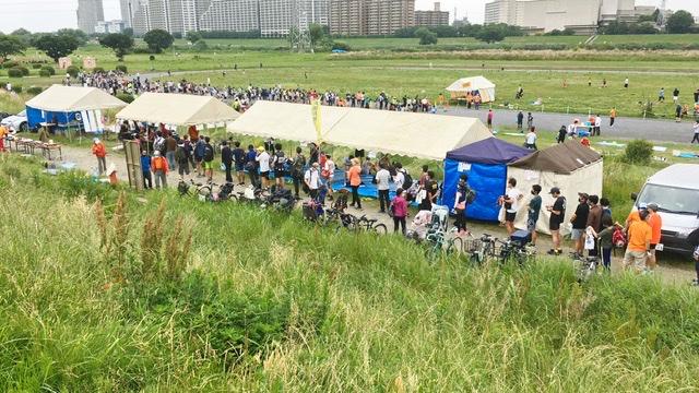月例川崎マラソン受付の行列