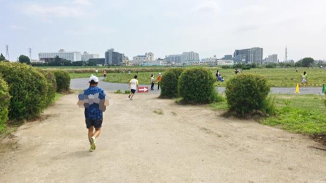 月例川崎マラソン3kmの部の競技場へ入ったところ