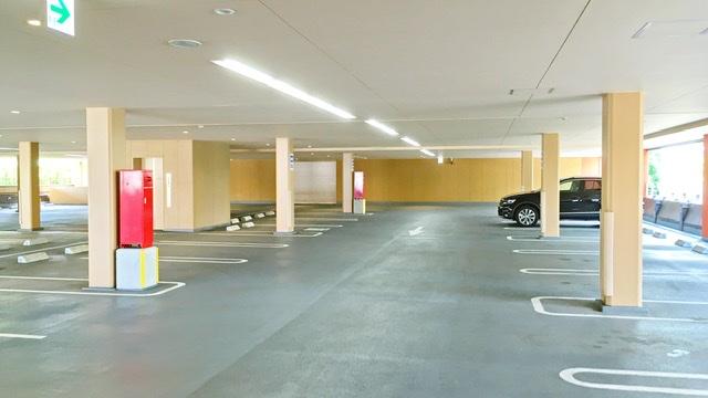 センター南温泉「湯もみの里」駐車場