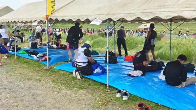 月例川崎マラソンの参加者用テント