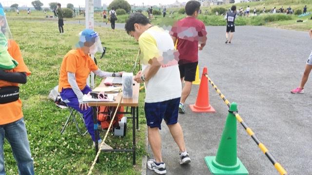 月例川崎マラソン3kmの部のゴール後のバーコード読みとり