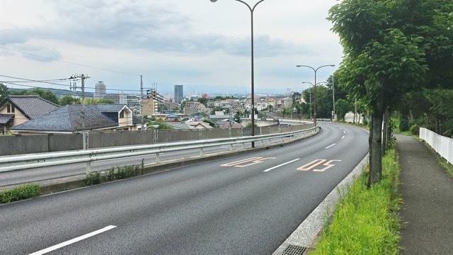 川崎街道を稲城から関戸へ
