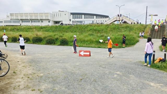 月例川崎マラソン3kmの部の競技場から河川敷コースへ