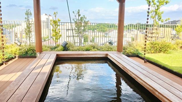 センター南温泉「湯もみの里」屋上の足湯