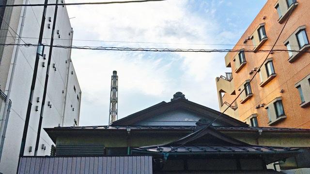横浜市西区の銭湯「朝日湯」の屋根