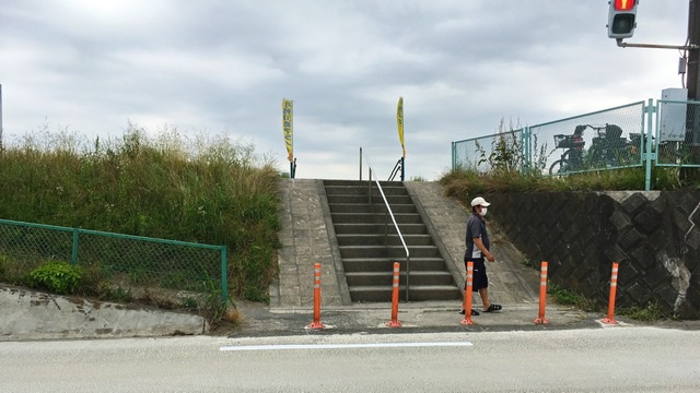 月例川崎マラソン開催の河川敷への入口