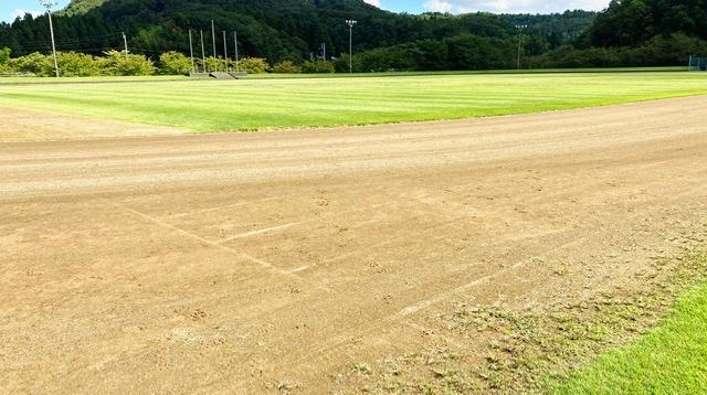 見附運動公園の陸上競技場の100mスタートライン