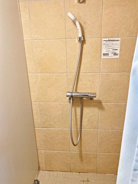 多摩市立陸上競技場のシャワー室